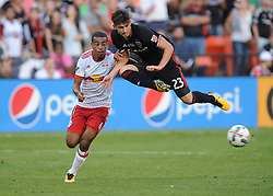 October 22, 2017 - Washington, DC, United States - Washington, D.C. - October 22, 2017: The New York Red Bulls defeated D.C. United 2-1 during their Major League Soccer (MLS) home match at RFK Stadium. (Credit Image: © Jose L. Argueta/ISIPhotos via ZUMA Wire)