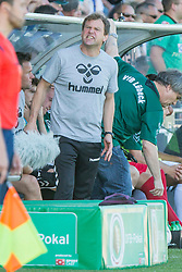 09.08.2015, Stadion Lohmühle, Luebeck, GER, DFB Pokal, VfB Luebeck vs SC Paderborn 07, 1. Runde, im Bild Luebecks Co-Trainer Henning Meins // during German DFB Pokal first round match between VfB Luebeck vs SC Paderborn 07 at the Stadion Lohmühle in Luebeck, Germany on 2015/08/09. EXPA Pictures © 2015, PhotoCredit: EXPA/ Eibner-Pressefoto/ KOENIG<br /> <br /> *****ATTENTION - OUT of GER*****