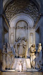 29.11.2013, Mailand, ITA, Architektur in Mailand, Mailand ist bekannt für historisch bedeutsame Bauwerke, im Bild Innenaufnahme Marienbildnis im MailaeŠnder Dom aufgenommen am 15 11 2013 // interior shot at Mailaender Dom, Mailand, Italy on 2013/11/15. EXPA Pictures © 2013, PhotoCredit: EXPA/ Eibner/ Eckhard Eibner<br /> <br /> *****ATTENTION - OUT of GER*****