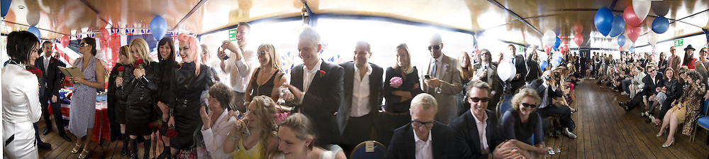 TRACEY EMIN ON RIGHT GUESTS INCLUDING MARK HIX IN CENTRE, Marriage of Tim Nobkle and Sue Webster conducted by Tracey Emin. Queen Elizabeth. Thames. London. 7 June 2008 *** Local Caption *** -DO NOT ARCHIVE-© Copyright Photograph by Dafydd Jones. 248 Clapham Rd. London SW9 0PZ. Tel 0207 820 0771. www.dafjones.com.