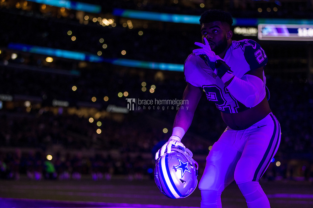 Dec 1, 2016; Minneapolis, MN, USA; Dallas Cowboys running back Ezekiel Elliott (21) looks on prior to the game between the Dallas Cowboys and Minnesota Vikings at U.S. Bank Stadium. The Cowboys defeated the Vikings 17-15. Mandatory Credit: Brace Hemmelgarn-USA TODAY Sports