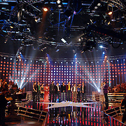 NLD/Hilversum/20070316 - 1e Live uitzending SBS So You Wannabe a Popstar, overzicht studio, lampen, podium, decor