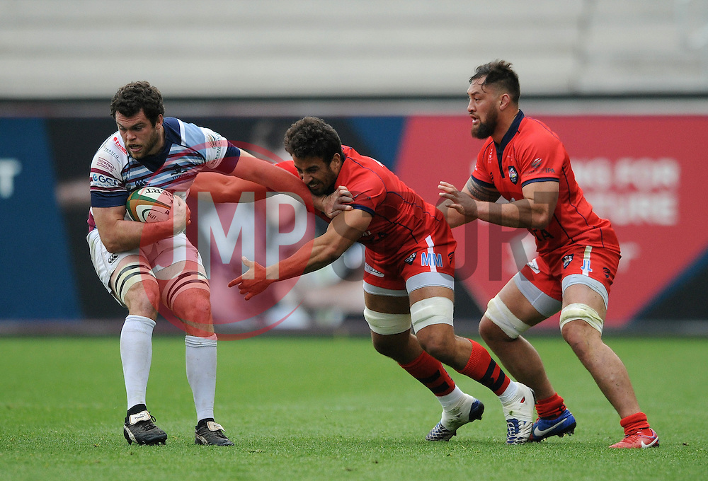 Bristol replacement Marco Mama closes down Rotherham Flanker Alex Rieder - Photo mandatory by-line: Dougie Allward/JMP - Mobile: 07966 386802 - 02/05/2015 - SPORT - Rugby - Bristol - Ashton Gate - Bristol Rugby v Rotherham Titans - Greene King IPA Championship