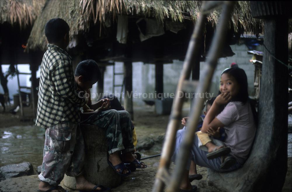 IFUGAO CHILDREN, POITAN VILLAGE, LUZON, THE PHILIPPINES