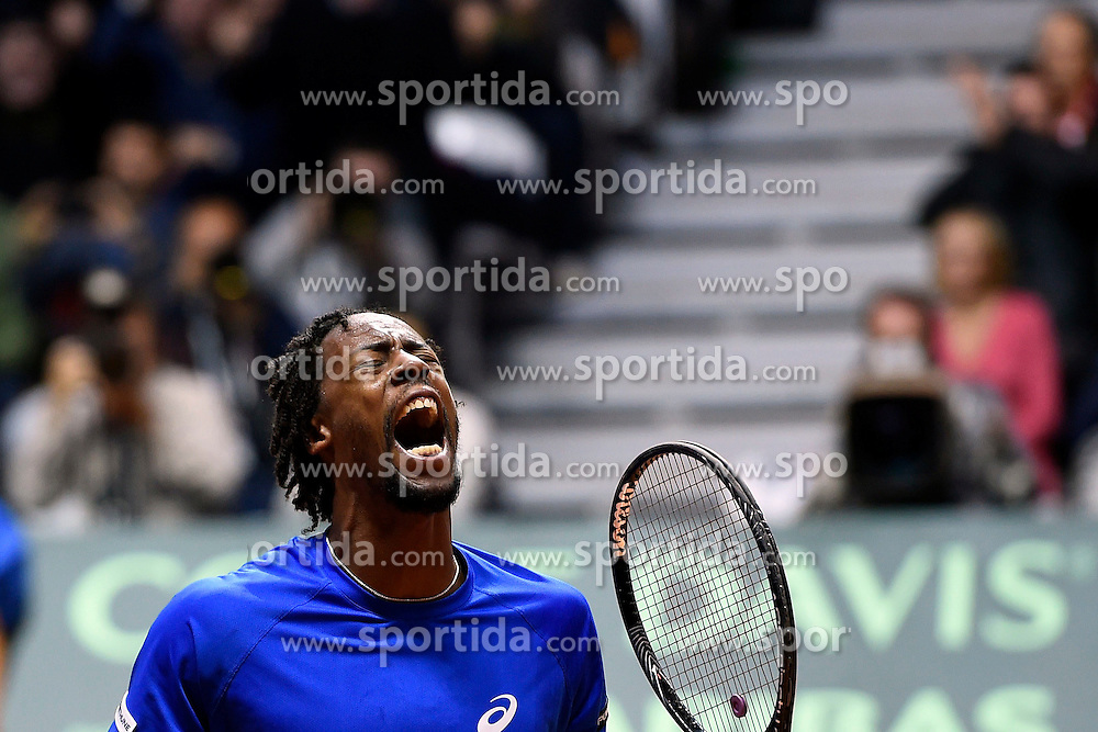 21.11.2014, Stade Pierre Mauroy, Lille, FRA, Davis Cup Finale, Frankreich vs Schweiz, im Bild Gael Monfils (FRA) jubelt // during the Davis Cup Final between France and Switzerland at the Stade Pierre Mauroy in Lille, France on 2014/11/21. EXPA Pictures &copy; 2014, PhotoCredit: EXPA/ Freshfocus/ Daniela Frutiger<br /> <br /> *****ATTENTION - for AUT, SLO, CRO, SRB, BIH, MAZ only*****