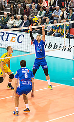 20151011 NED: Supercup Landstede Volleybal - Abiant Lycurgus,  Doetinchem<br /> De volleyballers van Lycurgus hebben op overtuigende wijze de Supercup veroverd. In Doetinchem werd landskampioen en bekerwinnaar Landstede met duidelijke cijfers geklopt: 25-16, 25-17, 25-19 / Jay Blankenau