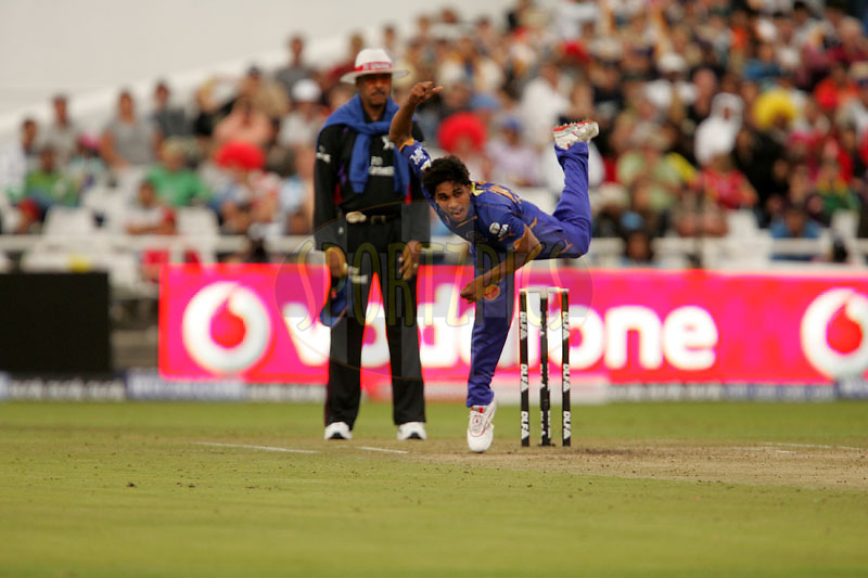 CAPE TOWN, SOUTH AFRICA - 18 April 2009.  during the  IPL Season 2 match between the Rajastan Royals and the  Royal Challengers Bangalore held at Sahara Park Newlands in Cape Town, South Africa..