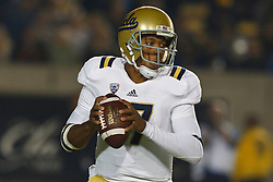 BERKELEY, CA - OCTOBER 06: Quarterback Brett Hundley #17 of the UCLA Bruins stands in the pocket against the California Golden Bears during the third quarter at California Memorial Stadium on October 6, 2012 in Berkeley, California. The California Golden Bears defeated the UCLA Bruins 43-17. (Photo by Jason O. Watson/Getty Images) *** Local Caption *** Brett Hundley