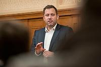 """27 FEB 2019,  BIRKENWERDER/GERMANY:<br />  Lars Klingbeil, MdB, SPD Generalsekretaer, waehrend einer Diskussionsveranstaltung zum Thema """"Grundrente und Bürgergeld: neue Antworten der SPD"""" der SPD Hohen Neuendorf und der SPD Birkenwerder, Rathaus Birkenwerder<br /> IMAGE: 20190227-02-078"""