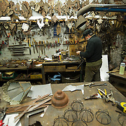 Venezia Roberto De Rossi artist specialized in the creation of artistic hand-forged ironworks...***Agreed Fee's Apply To All Image Use***.Marco Secchi /Xianpix.tel +44 (0)207 1939846.tel +39 02 400 47313. e-mail sales@xianpix.com.www.marcosecchi.com