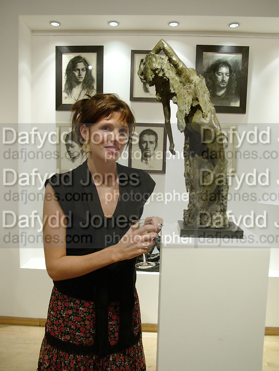 Georgina Anstruther-Gough-Calthorpe. Bronze Sculpture by Georgiana Anstruther-Gough-Calthorpe. Air Gallery. Dover St. London. 27 September 2005. ONE TIME USE ONLY - DO NOT ARCHIVE © Copyright Photograph by Dafydd Jones 66 Stockwell Park Rd. London SW9 0DA Tel 020 7733 0108 www.dafjones.com
