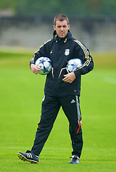 LIVERPOOL, ENGLAND - Tuesday, September 30, 2008: Liverpool's assistant kit man xxxx during training at Melwood ahead of the UEFA Champions League Group D match against PSV Eindhoven. (Photo by David Rawcliffe/Propaganda)