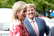 Koning Willem-Alexander en koningin Maxima komen aan bij de openingswedstrijd van WEURO2017, het EK voetbal vrouwen gehouden in de Stadion Galgenwaard Utrecht<br /> <br /> King Willem-Alexander and Queen Maxima attend the opening contest of WEURO2017, the EK soccer women held in the Stadium Galgenwaard Utrecht