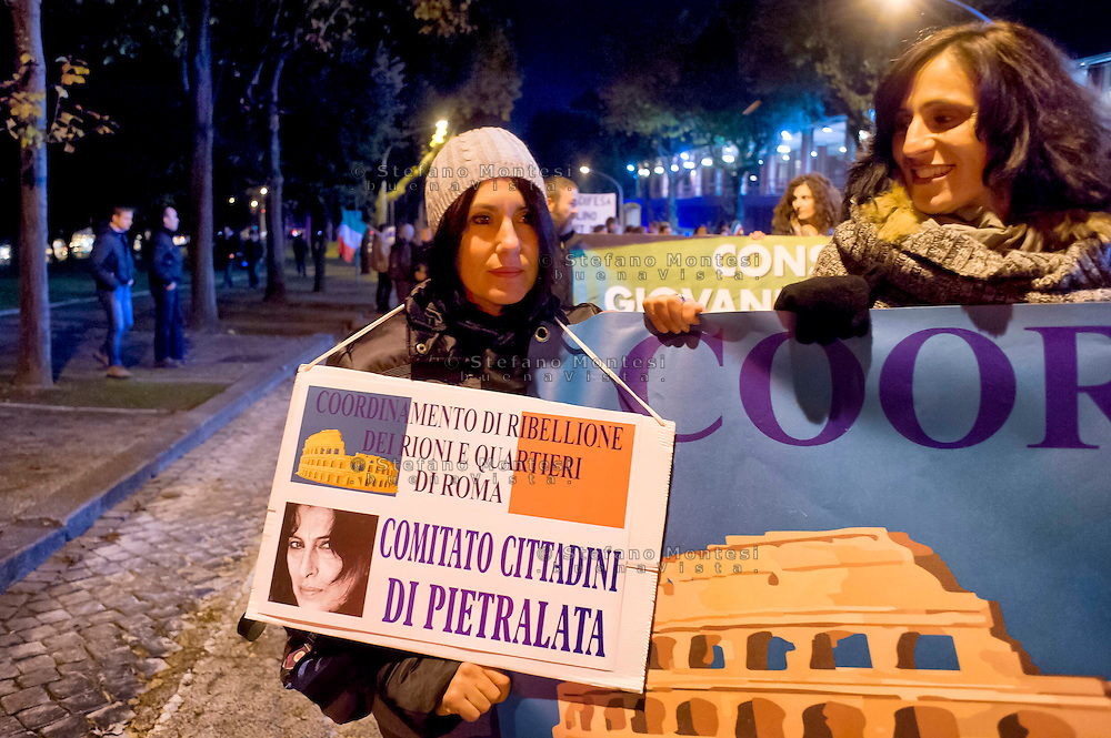 Roma 21 Novembre 2014<br /> Manifestazione contro prostituzione e degrado all' EUR, organizzata dal comitato di quartiere &quot;Ripartiamo dall'Eur&quot; e dall'associazione commercianti della zona. La manifestazione &egrave; stata indetta per chiedere un intervento dalle istituzioni sulla prostituzione e il degrado nel quartiere.<br /> Rome November 21, 2014<br /> Demonstration against prostitution and degradation in the EUR district, organized by the neighborhood committee, and by the traders in the area The demonstration was called to request assistance from the institutions against prostitution and degradation in the neighborhood.