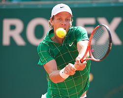MONTE-CARLO, MONACO - Thursday, April 15, 2010: Tomas Berdych (CZE) in action during the Men's Singles 3rd Round match on day four of the ATP Masters Series Monte-Carlo at the Monte-Carlo Country Club. (Photo by David Rawcliffe/Propaganda)