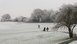 © Licensed to London News Pictures. 13/12/2012. Goring, UK. Golfers bare the freezing temperatures for a game in Goring Heath. Photo credit : Rebecca Mckevitt/LNP