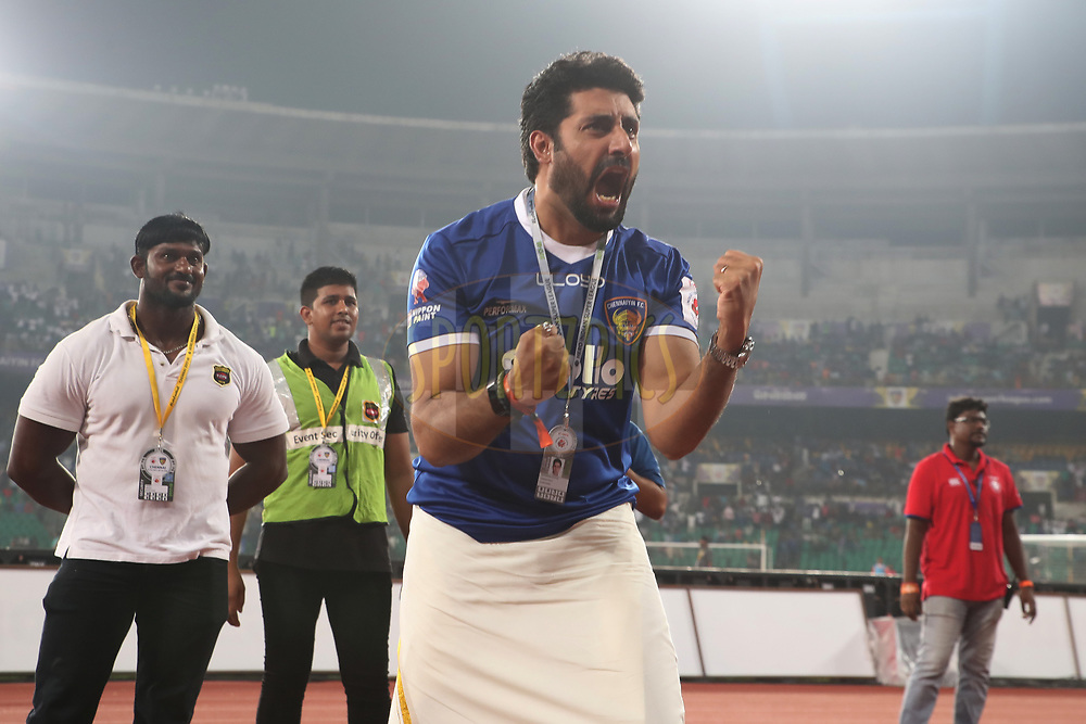 Abhishek Bachchan owner of Chennaiyin FC cheering on the fans during match 6 of the Hero Indian Super League between Chennaiyin FC and NorthEast United FC held at the Jawaharlal Nehru Stadium, Chennai India on the 23rd November 2017<br /> <br /> Photo by: Suman Dasgupta  / ISL / SPORTZPICS