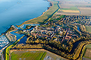 Nederland, Noord-Brabant, Moerdijk, 07-02-2018; Willemstad, vestingstad gelegen aan het Hollandsch Diep, daar waar het zich splitst in Volkerak en Haringvliet<br /> Willemstad, fortified town, strategically located at Hollands Diep.<br /> luchtfoto (toeslag op standard tarieven);<br /> aerial photo (additional fee required);<br /> copyright foto/photo Siebe Swart