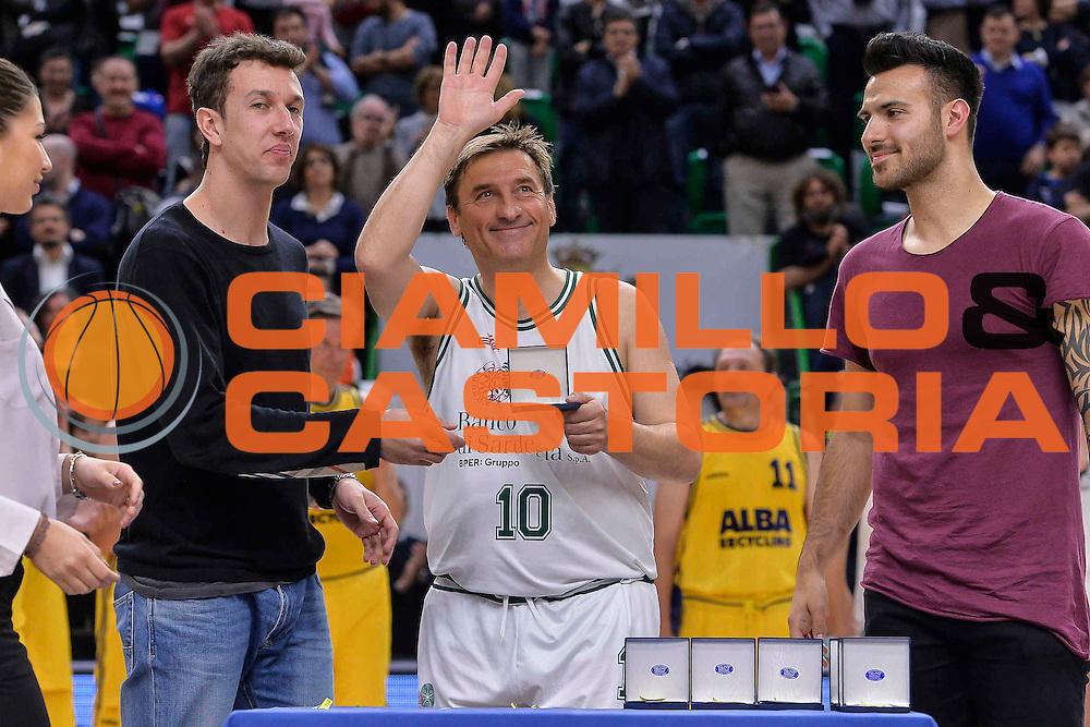 DESCRIZIONE : Dinamo Banco di Sardegna Sassari All Stars Legends Night<br /> GIOCATORE : Sergio Milia<br /> CATEGORIA : Premiazione<br /> SQUADRA : Dinamo Banco di Sardegna Sassari<br /> EVENTO : Dinamo Banco di Sardegna Sassari All Stars Legends Night<br /> GARA : Dinamo Banco di Sardegna Sassari - Alba Berlino Veterans<br /> DATA : 14/05/2016<br /> SPORT : Pallacanestro <br /> AUTORE : Agenzia Ciamillo-Castoria/L.Canu