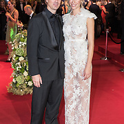 NLD/Amsterdam/20171012 - Televizier-ring Gala 2017, Joost Staudt en partner Nicolette Kluijver