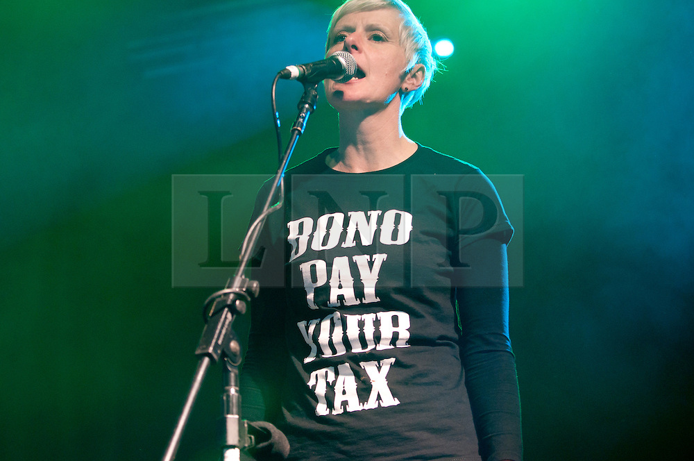 "© licensed to London News Pictures. Glastonbury Festival, UK  Chumbawumba play on the Avalon Stage, Glastonbury festival. The entire band wear Tshirts that say ""Bono Pay Youy Tax"". Please see special instructions for usage rates. Photo credit should read David Mirzoeff/LNP"