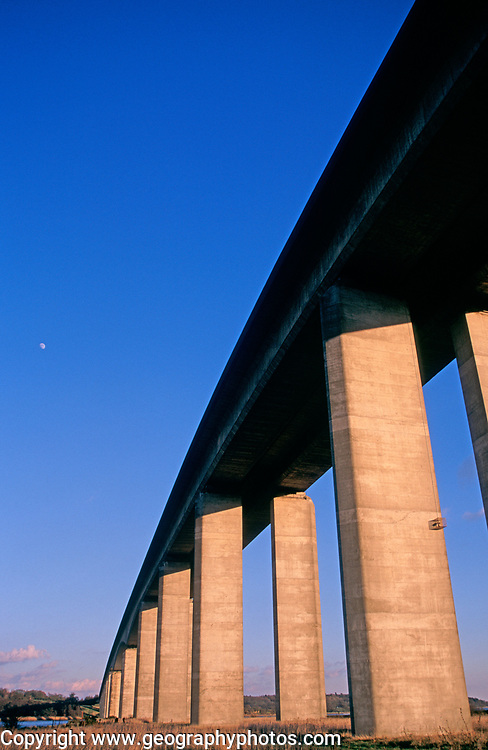 A753T2 Orwell bridge concrete support columns Suffolk England