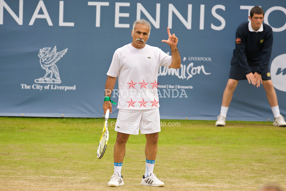 LIVERPOOL, ENGLAND - Sunday, June 21, 2009: Mansour Bahrami (IRN) during Day Five of the Tradition ICAP Liverpool International Tennis Tournament 2009 at Calderstones Park. (Pic by David Rawcliffe/Propaganda)