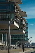 moderne Gebaeude an der Elbe, Neumuehlen, Oevelgoenne, Hamburger Hafen, Hamburg, Deutschland.|.modern buildings on river Elbe, Oevelgoenne, port, Hamburg, Germany