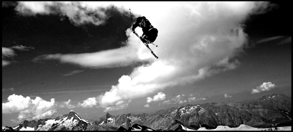 Rider: Henrik Harlaut.Location: Les Deux Alpes (France)