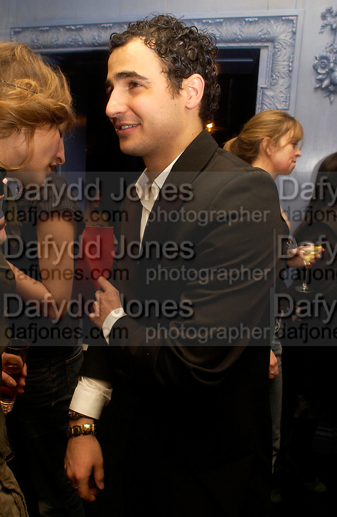 Zac Posen .  Zac Posen Spring/ Summer collection launch party. The Blue Bar, Berkeley Hotel. London. 7 March 2004. Dafydd Jones,  ONE TIME USE ONLY - DO NOT ARCHIVE  © Copyright Photograph by Dafydd Jones 66 Stockwell Park Rd. London SW9 0DA Tel 020 7733 0108 www.dafjones.com