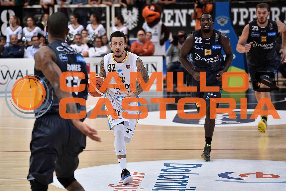 York Gabe<br /> Dolomiti Energia Trento - Vanoli Cremona<br /> Lega Basket Serie A 2016/2017<br /> Trento 09/10/2016<br /> Foto Ciamillo-Castoria