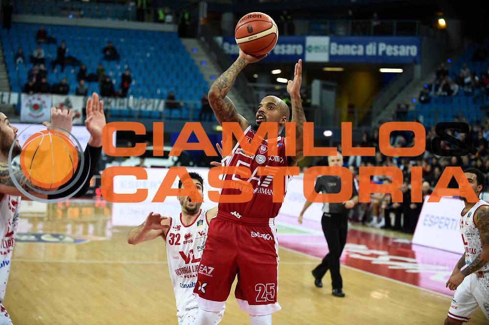 Theodore Jordan<br /> Victoria Libertas Pesaro - EA7 Emporio Armani Milano<br /> Lega Basket Serie A 2017/2018<br /> Reggio Emilia, 16/12/2017<br /> Foto A.Giberti / Ciamillo - Castoria
