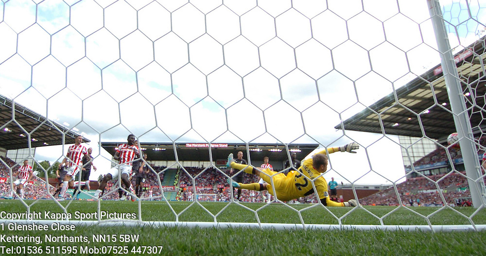 STOKE MAME DIOUF SHOT ON GOAL GOES WIDE, PAST LIVERPOOL KEEPER SIMON MIGNOLET, Stoke City v Liverpool, Premiership, Britannia Stadium Sunday 9th August 2015