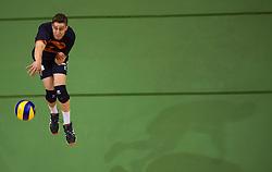 17-04-2016 NED: Play off finale Abiant Lycurgus - Seesing Personeel Orion, Groningen<br /> Abiant Lycurgus is door het oog van de naald gekropen tijdens het eerste finaleduel om het landskampioenschap. De Groningers keken in een volgepakt MartiniPlaza tegen een 0-2 achterstand aan tegen Seesing Personeel Orion, maar mede dankzij invaller Gino Naarden kwam Lycurgus langszij en pakte het de wedstrijd met 3-2 / Pim Kamps #7 of Orion