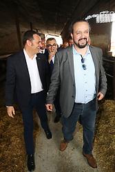 IL MINISTRO CON ALAN FABBRI<br /> AZIENDA CAVALLERIZZA CONA<br /> VISITA MINISTRO GIAN MARCO CENTINAIO A FERRARA