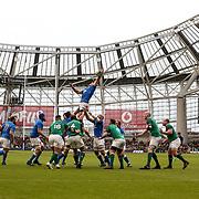 Dublino 10/02/2018 Aviva Stadium<br /> Natwest 6 nations Irlanda vs Italia<br /> <br /> una touche