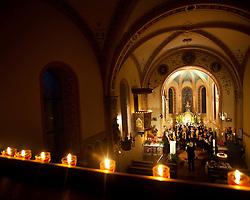 27.05.2011, Pfarre, Kaprun, AUT, Lange Nacht der Kirchen, im Bild die Kapruner Chorgemeinschaft bei ihren Auftritt, EXPA Pictures © 2011, PhotoCredit: EXPA/ J. Feichter