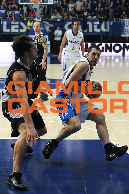 DESCRIZIONE : Cantu Lega A 2009-10 NGC Cantu Carife Ferrara<br /> GIOCATORE : Nicolas Mazzarino<br /> SQUADRA : NGC Cantu<br /> EVENTO : Campionato Lega A 2009-2010 <br /> GARA :  NGC Cantu Carife Ferrara<br /> DATA : 18/04/2010<br /> CATEGORIA : Palleggio<br /> SPORT : Pallacanestro <br /> AUTORE : Agenzia Ciamillo-Castoria/A.Dealberto<br /> Galleria : Lega Basket A 2009-2010 <br /> Fotonotizia : Cantu Campionato Italiano Lega A 2009-2010 NGC Cantu Carife Ferrara<br /> Predefinita :