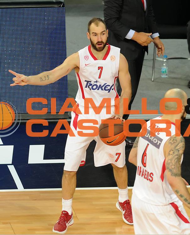 DESCRIZIONE : Istanbul Eurolega Eurolegue 2011-12 Final Four Finale Final CSKA Moscow Olympiacos<br /> GIOCATORE : Vassilis Spanoulis<br /> SQUADRA : Olympiacos<br /> EVENTO : Eurolega 2011-2012<br /> GARA : CSKA Moscow Olympiacos<br /> DATA : 13/05/2012<br /> CATEGORIA : <br /> SPORT : Pallacanestro<br /> AUTORE : Agenzia Ciamillo-Castoria/GiulioCiamillo<br /> Galleria : Eurolega 2011-2012<br /> Fotonotizia : Istanbul Eurolega Eurolegue 2010-11 Final Four Finale Final CSKA Moscow Olympiacos<br /> Predefinita :