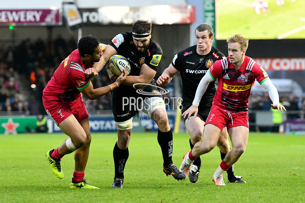 Don Armand of Exeter Chiefs battles with Marcus Smith of Harlequins during the Aviva Premiership match between Exeter Chiefs and Harlequins at Sandy Park, Exeter, United Kingdom on 19 November 2017. Photo by Graham Hunt.