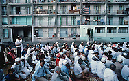 France. Marseille. Aid Muslim prayer prayer in cite Bellevue   Marseille  France    /la prière de l Aid au coeur de la cite Bellevue dans le centre de   Marseille  France  /R00015/2    L2816  /  P0004006