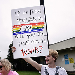 Pro-choice supporters demonstrating in front of Dr. George Tiller's clinic, currently closed. Wichita, KS. 2009, June 20th. Photo: Antoine Doyen