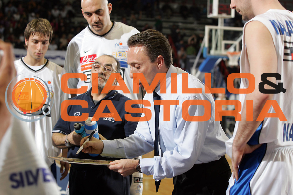 DESCRIZIONE : Napoli Lega A1 2006-07 Eldo Napoli Upea Capo d'Orlando<br /> GIOCATORE : Bucchi<br /> SQUADRA : Eldo Napoli<br /> EVENTO : Campionato Lega A1 2006-2007 <br /> GARA : Eldo Napoli Upea Capo d'Orlando<br /> DATA : 07/04/2007<br /> CATEGORIA : Timeout<br /> SPORT : Pallacanestro <br /> AUTORE : Agenzia Ciamillo-Castoria/A.De Lise <br /> Galleria : Lega Basket A1 2006-2007 <br /> Fotonotizia : Napoli Campionato Italiano Lega A1 2006-2007 Eldo Napoli Upea Capo d'Orlando<br /> Predefinita :