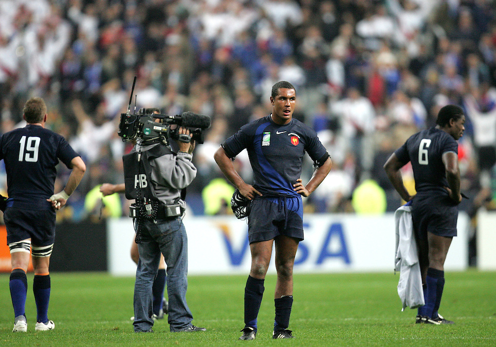 A dejected Thierry Dusautoir and Serge Betsen at the end of the game. France v England, Semi Final, IRB Rugby World Cup 2007, Stade De France, St Denis, 13th October 2007.
