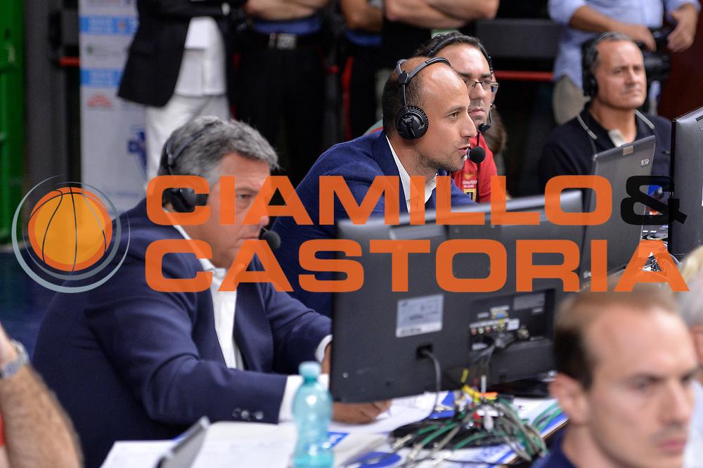 DESCRIZIONE : Beko Legabasket Serie A 2015- 2016 Dinamo Banco di Sardegna Sassari -Vanoli Cremona<br /> GIOCATORE : Stefano Michelini Maurizio Fanelli<br /> CATEGORIA : Ritratto<br /> SQUADRA : Rai Sport TV<br /> EVENTO : Beko Legabasket Serie A 2015-2016<br /> GARA : Dinamo Banco di Sardegna Sassari - Vanoli Cremona<br /> DATA : 04/10/2015<br /> SPORT : Pallacanestro <br /> AUTORE : Agenzia Ciamillo-Castoria/L.Canu