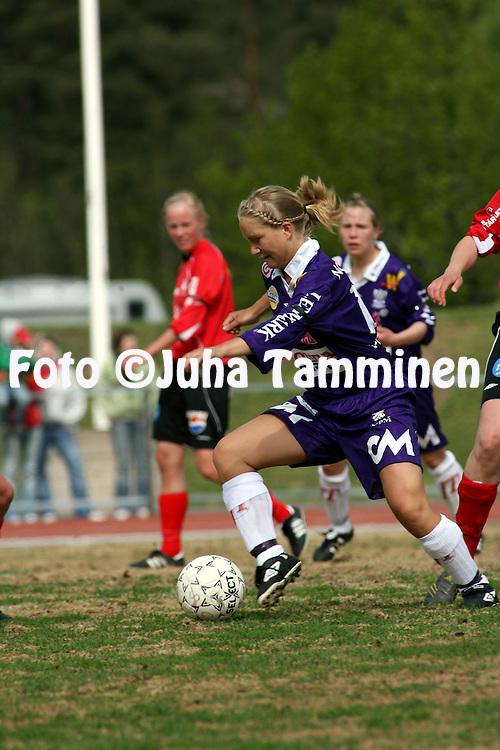 25.05.2006, Kerttula, Raisio, Finland..Naisten SM-sarja 2006.Sporting Club Raisio - FC United Pietarsaari.Maria Widjeskog - United.©Juha Tamminen.....ARK:k