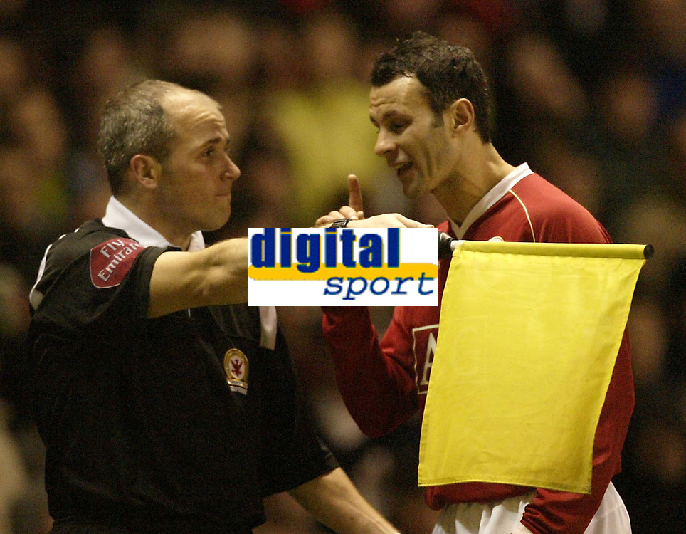 Photo: Aidan Ellis.<br /> Manchester United v Portsmouth. The FA Cup. 27/01/2007.<br /> United's Ryan Giggs argues with the lines man after Henrik Larsson scores but is given offside