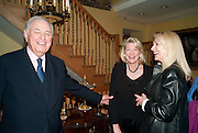 ALFRED TAUBMAN; LADY LYNN FORRESTER ROTHSCHILD; JUDY TAUBMAN, An exhibition of watercolours by William Rayner at Mallet's, New Bond St. Party afterwards at Bellami's, bruton Place. London. 16 June 2010. .-DO NOT ARCHIVE-© Copyright Photograph by Dafydd Jones. 248 Clapham Rd. London SW9 0PZ. Tel 0207 820 0771. www.dafjones.com.