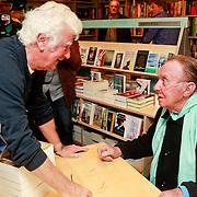 NLD/Rotterdam/20110407 - Acteur Kees Brusse signeert zijn boek, Gerard Cox