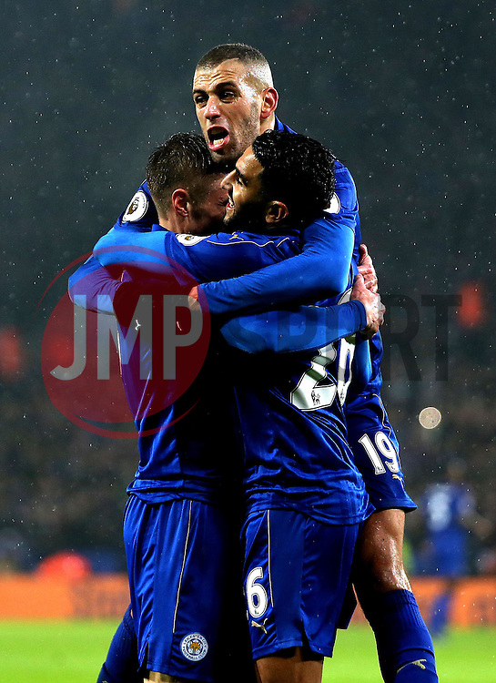 Leicester City celebrate Jamie Vardy of Leicester City scoring his second goal - Mandatory by-line: Robbie Stephenson/JMP - 10/12/2016 - FOOTBALL - King Power Stadium - Leicester, England - Leicester City v Manchester City - Premier League